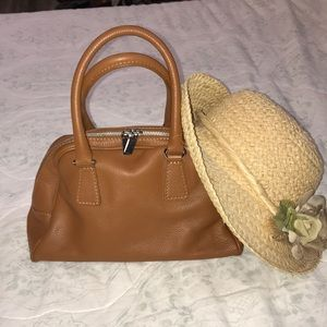 Adorable camel handbag fresh from France 🇫🇷